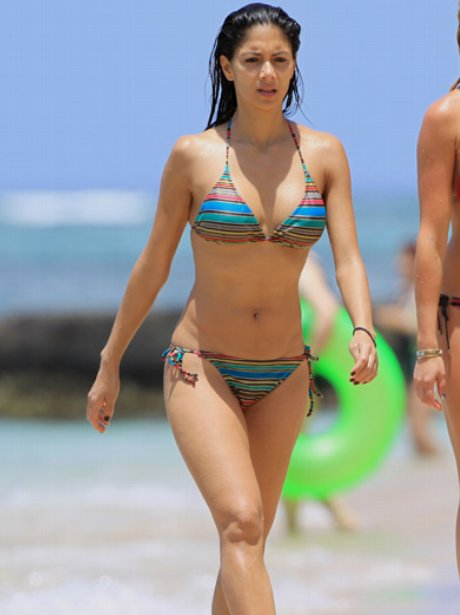 nicole scherzinger on the beach