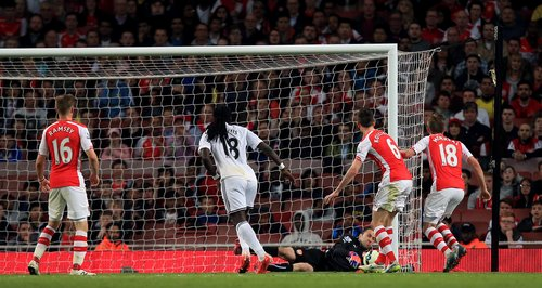 Bafetimbi Gomis Scores for Swansea