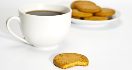 Ginger nut biscuits with coffee